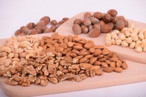 Kerne und Nüsse
